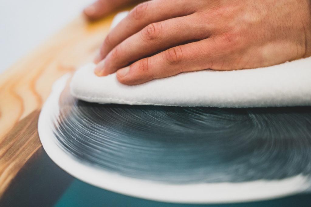 polishing epoxy resin by hand