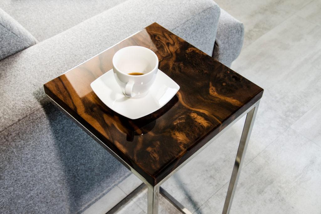 polishing epoxy resin table