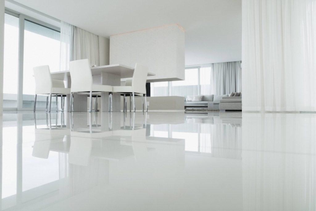 seamless floor made of epoxy resin diy
