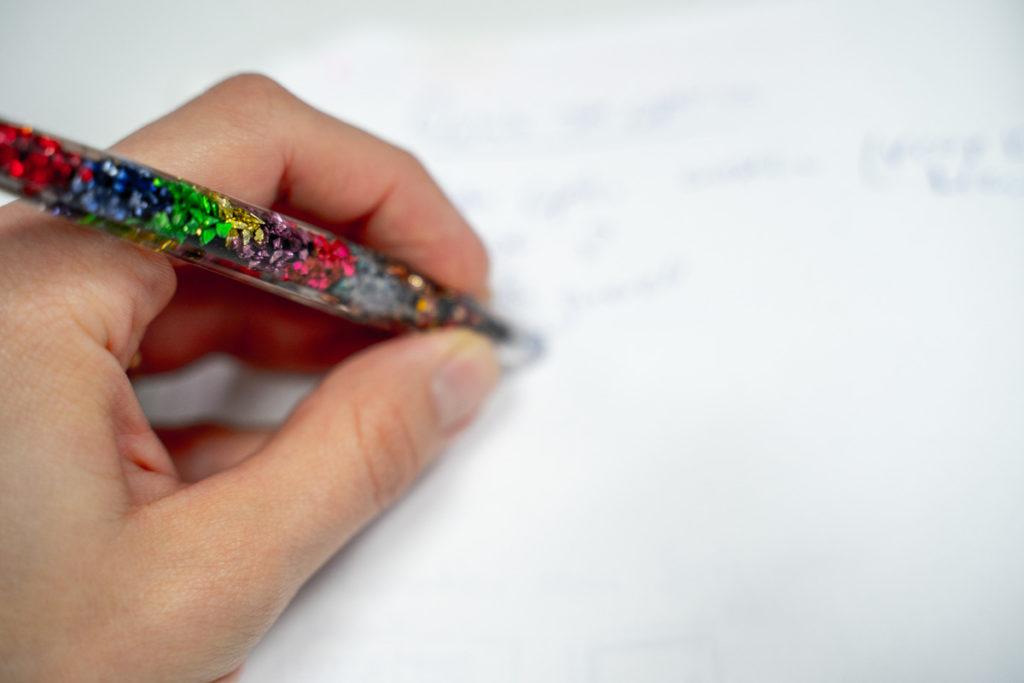 epoxiy pen resin coloured