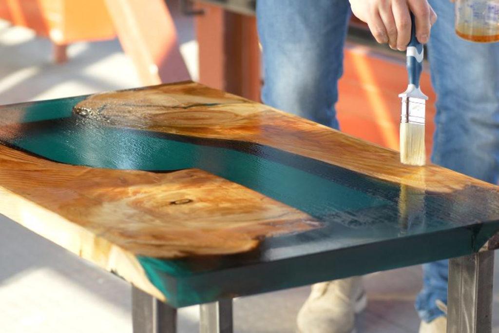 zywica epoksydowa stol podlewamy